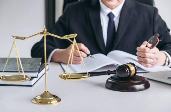 vantagem de abrir empresa com o advogado